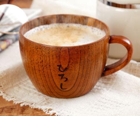 木のティーカップ