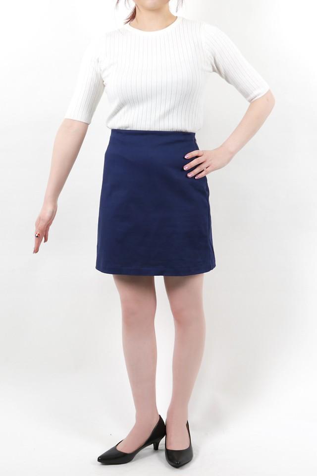 152cmのモデルが着丈41cmのスカートを着たイメージ