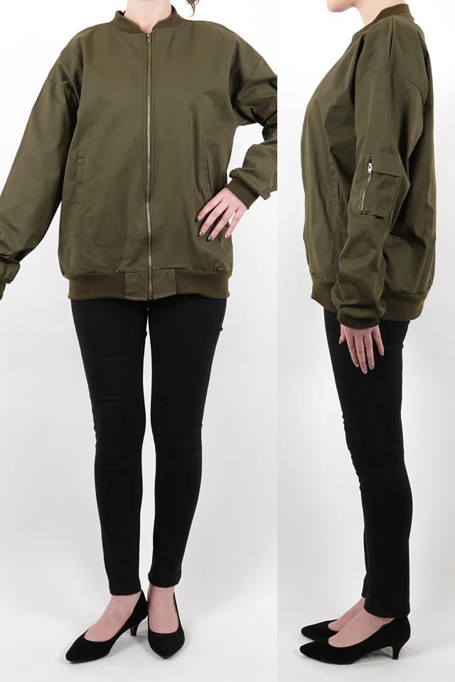 172cmのモデルが着丈72cmのジャケットを着たイメージ