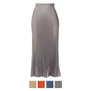 サテンプリーツスカート
