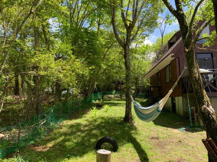 ハンモックのある庭