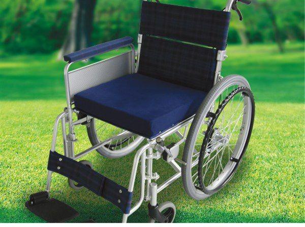 ウィズ 車いす用座位保持クッション WC-01 車椅子...