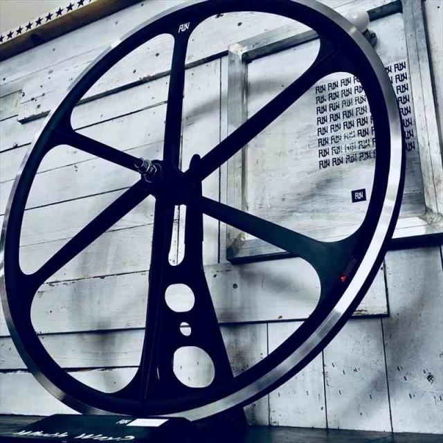 『FUN』【700C クローバーリム マットブラック】...
