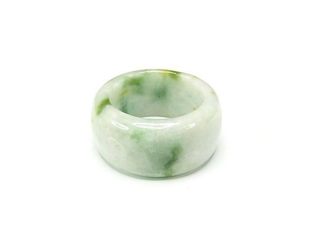 厳選緑入りひすい本翡翠ジェダイトAAA天然石指輪...