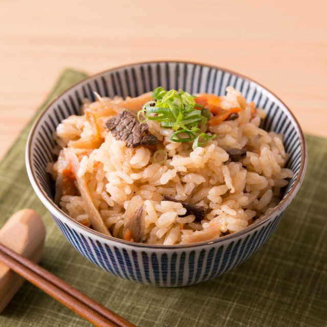 炊き込みご飯の素 2合 牛ごはん レトルト 築地魚...