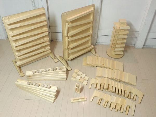 木製コロコロドミノ装置