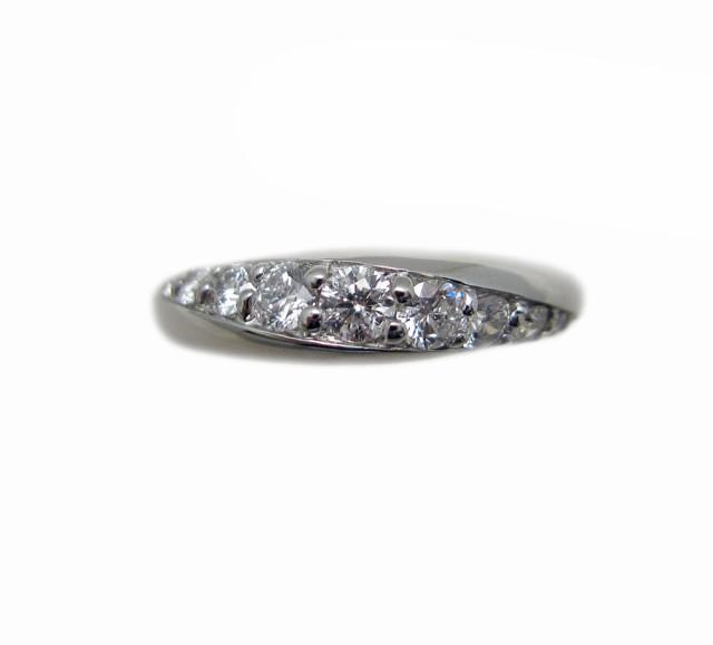 プラチナ ダイヤモンド デザイン リング『大切な...