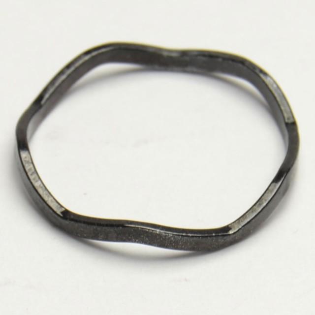 極細 ウェーブ ブラック ステンレス リング 指輪 ...