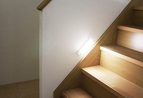 アイリスオーヤマ 屋内 LED センサーライト 昼白...