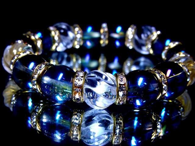 トルネード水晶ブルーオーラ10ミリ金ロンデル数珠...