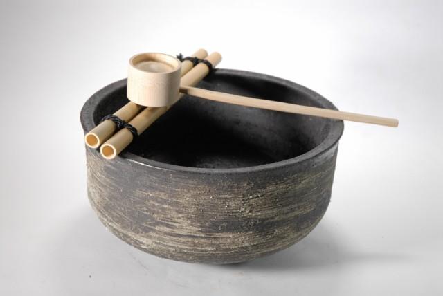 白肌刷毛目変形つくばい(竹35cm) (信楽焼・陶...