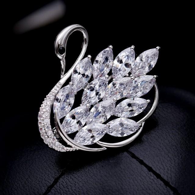 AAA級ジルコニア CZダイヤモンド 白鳥ブローチ レ...