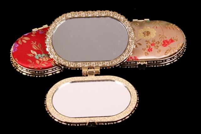 化粧鏡 折り畳み 双面手鏡 おしゃれ 小さい鏡 持...