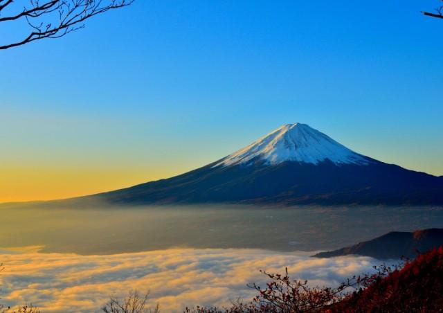 絵画風 壁紙ポスター  天晴れの富士山と雲海 富士...