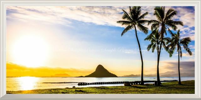 絵画風 壁紙ポスター  ハワイ オアフ島の夕陽とチ...