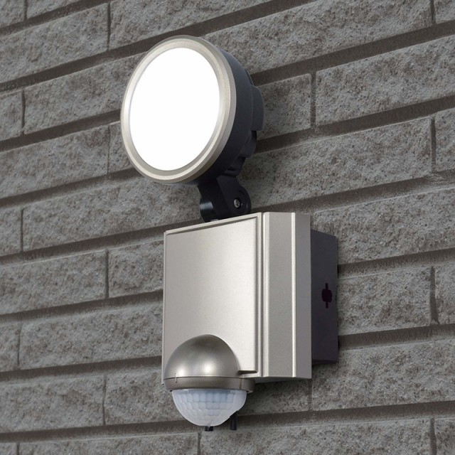 【アウトレット】ELPA LEDセンサーライト ESL-SS1...