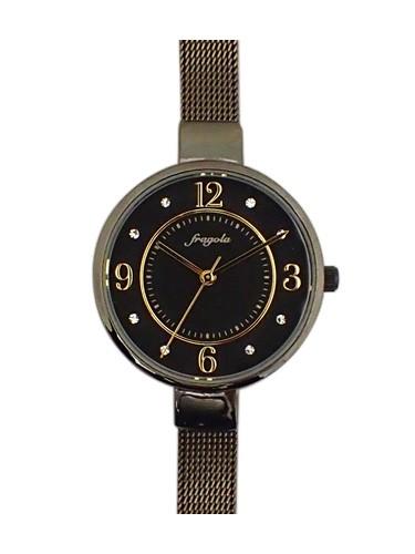 大きめな時計ケースと細めのメッシュメタルベルト...
