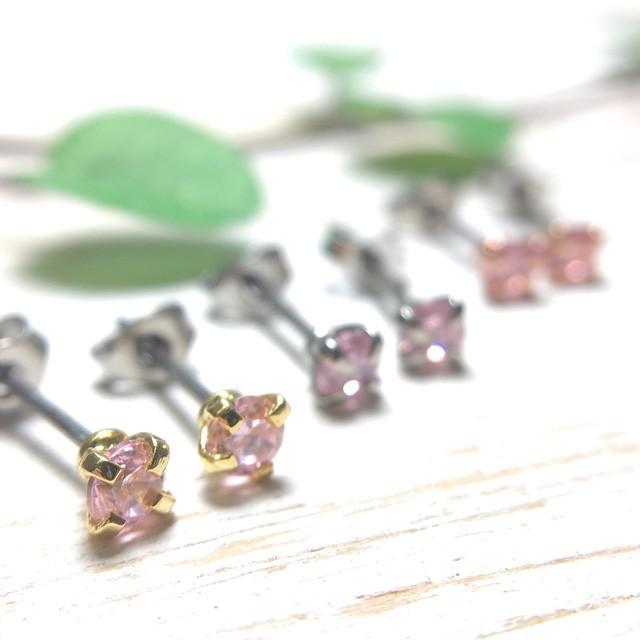 ピンク光石 3mm チタンポストピアス(金属アレル...