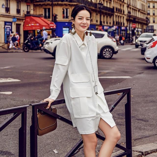 ワンピースっぽい長袖ルーズな白シャツ