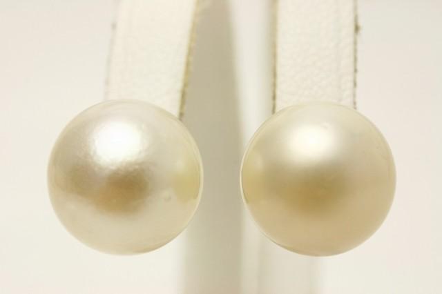南洋白蝶真珠パールピアス 12mm ホワイトカラー...