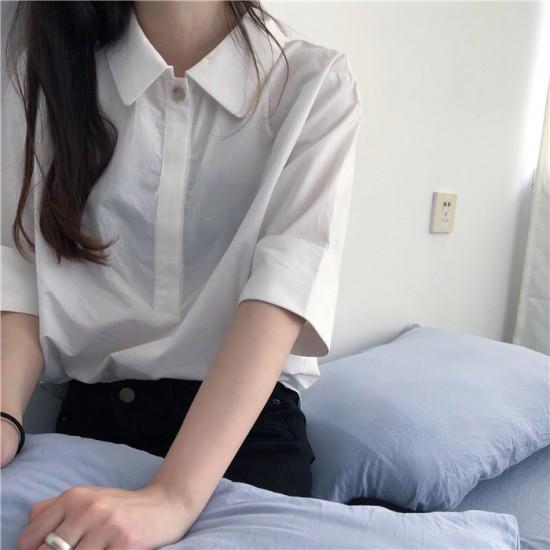 シンプルな白シャツ5分袖/プルオーバー/通勤・...