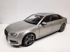 Audi China ディーラーモデル 1:18スケール ダイ...