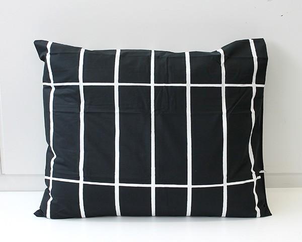 マリメッコ ティイリスキヴィ 枕カバー 50x60cm ...