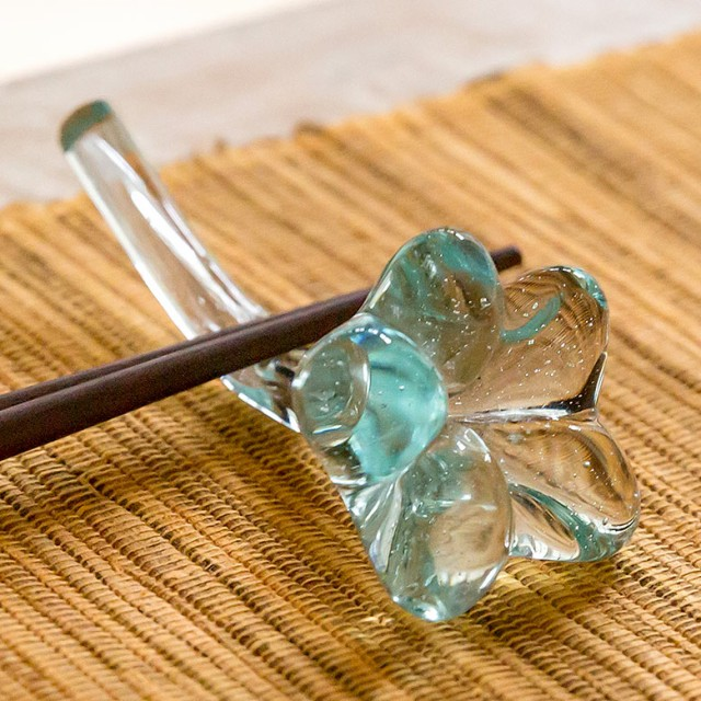 ガラスで出来たプルメリアのカトラリーホルダー(1...