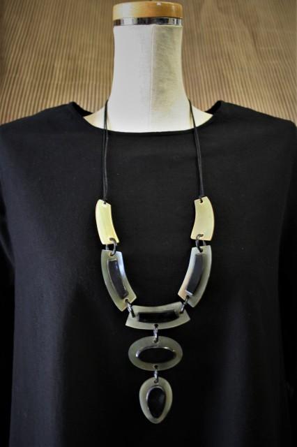 水牛ペンダント 高級国産素材 ネックレス (AP...