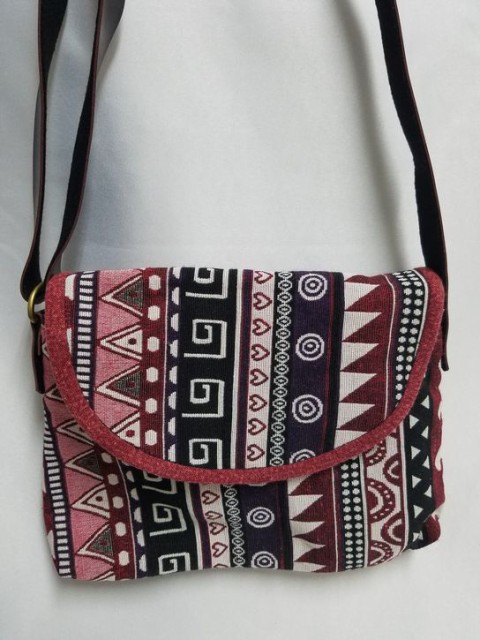 【ショルダーバック】モン族伝統刺繍使用 ショル...