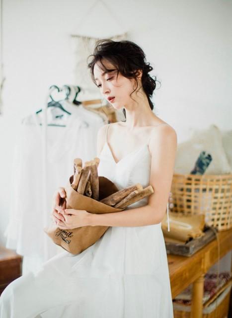 Aライン Vネック ウェディングドレス 白 二次会 ...