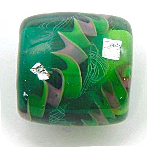 手作りの透明緑のきれいなとんぼ玉の帯留(ツイス...