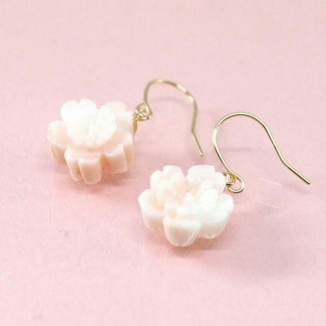 ピンク珊瑚 アメリカンピアス 桜 (のし等ギフト対...