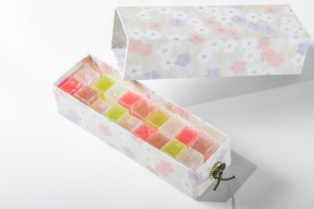 かきはちのプレミアムな琥珀糖 花筆箱 じゅるる...