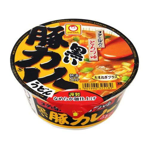 東洋水産 マルちゃん 黒い豚カレーうどん カップ ...