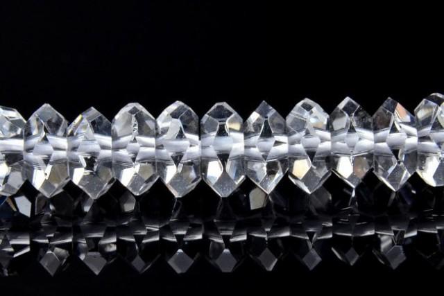 AAA 水晶ボタンカット 2.5x5.5mm 1連(約38cm)...