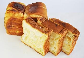 【食パン】【神戸で人気のハイミルクの食パン】手...