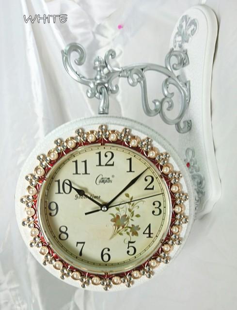 ロココ調 壁掛け両面時計 ホワイトとブラウン