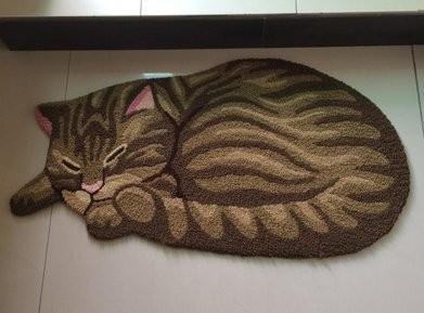 玄関マット 眠る猫ちゃん リアル ダイカット