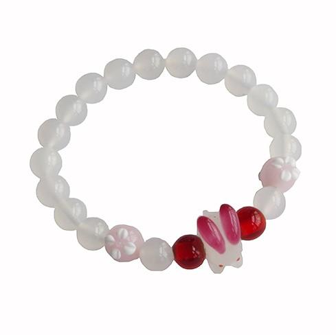 ブレスレット 透明感のある白と赤 数珠風 白うさ...