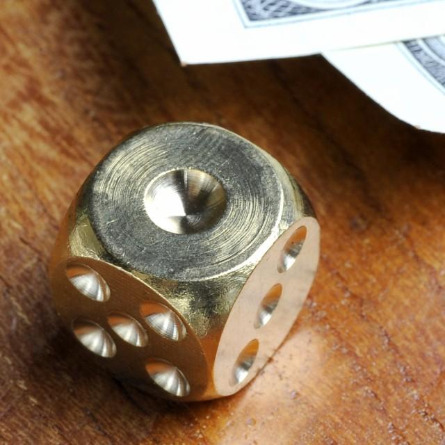 サイコロ 真鍮製 ダイス 丸角 [ 26mm ][rev67648]...