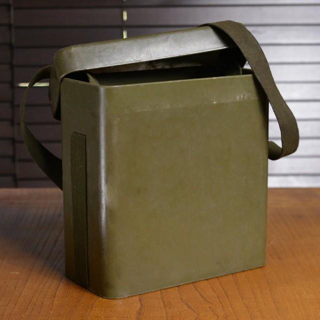 ドイツ軍放出品 プラスチックボックス ショルダー...