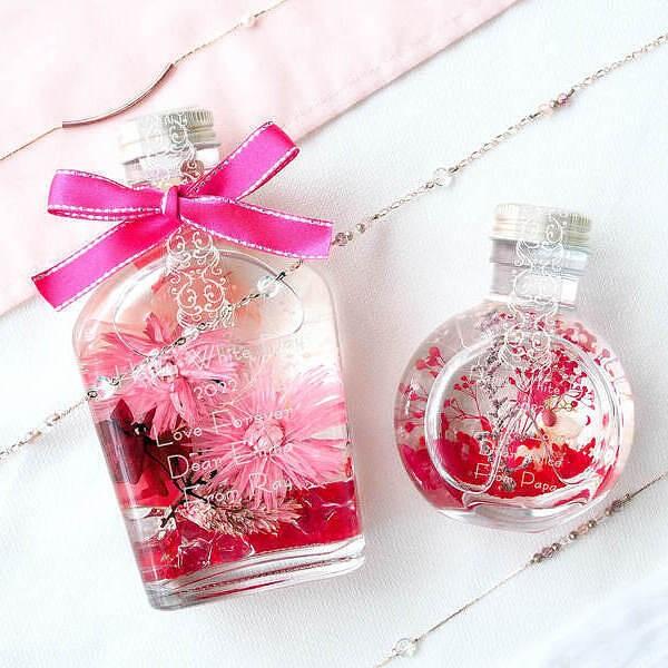 【名入れ無料】メッセージが入る オリジナル ハーバリウム M ピンク インスタ映えするスキットル 彼女に贈る記念日の特別なプレゼント