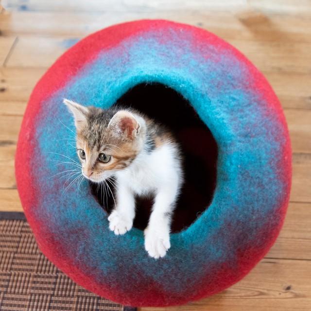 【送料無料】 ネパールフェルトの猫ちぐら しっか...