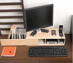 桐 ルーターボックス パソコンモニターの台にもなり収納スペースとして有効活用。