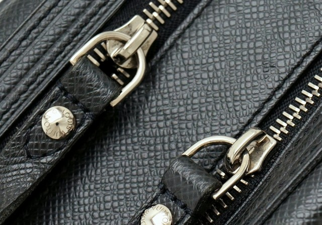 【バッグ】 ルイ ヴィトン タイガ トゥルース イヴァン セカンドバッグ クラッチバッグ ポーチ レザー アルドワーズ 黒 ブラック M32492