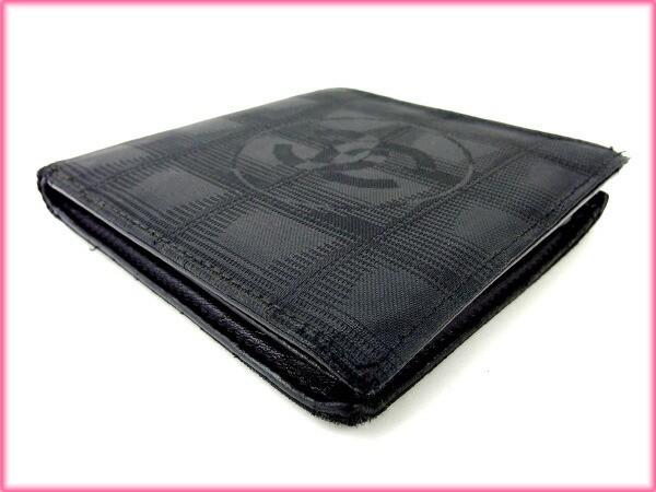 シャネル CHANEL 二つ折り財布 メンズ可 ニュートラベルライン人気 良品【中古】 Y1277