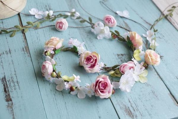 結婚 ウェデイング ブライダル 二次会 パーティーティアラ 成人式 布造花 高級 人気髪飾り ホワイト ピンク・イエローバラヘッドドレス