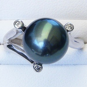 黒真珠:ブラックパール:リング:タヒチ黒蝶真珠:11mm:グリーン系:ダイヤモンド:0.08ct:プラチナ:PT900:指輪