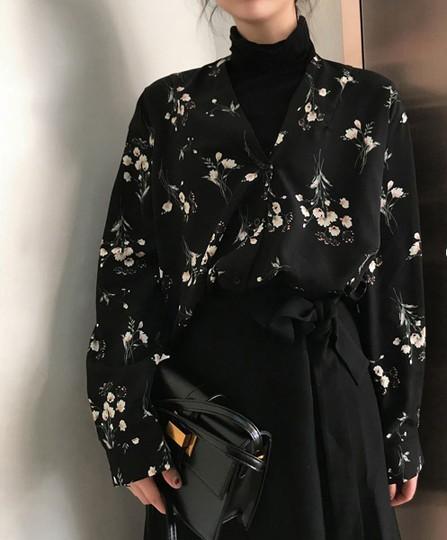 花柄 Vネック 長袖 ブラック ブラウス トップス